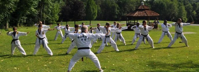 Dojeunes-taekwondo-vacances2016